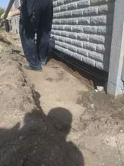 Заливка фундамента под забор. Фундамент под бетонный забор. - foto 2